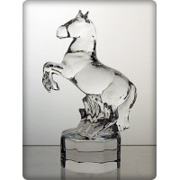 Figurine cheval en cristal. Taille : 13cm.
